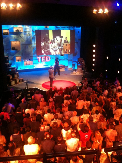 Chris Anderson's own excellent #TED talk ends in standing ovation